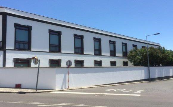 Empreitada de Remodelação de um Edifício em Unidade de Tratamento e Reabilitação Juvenil, Ilha de São Miguel
